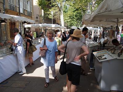 Sunday market, Cours Mirabeau, Aix