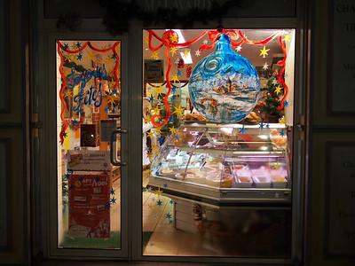 Christmas display, butcher, Apt