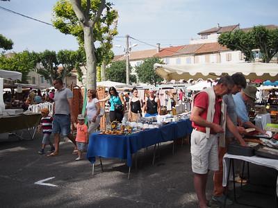 Fête de la transhumance à Saint-Rémy-de-Provence. Flea market.