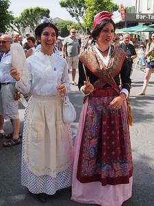 Fête de la transhumance à Saint-Rémy-de-Provence. Provencal traditional costume.