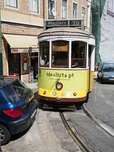 Bad parking blocks tram