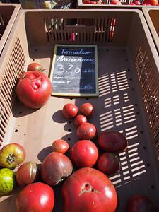 Old tomato breeds. Saturday market, Le Petit Palais