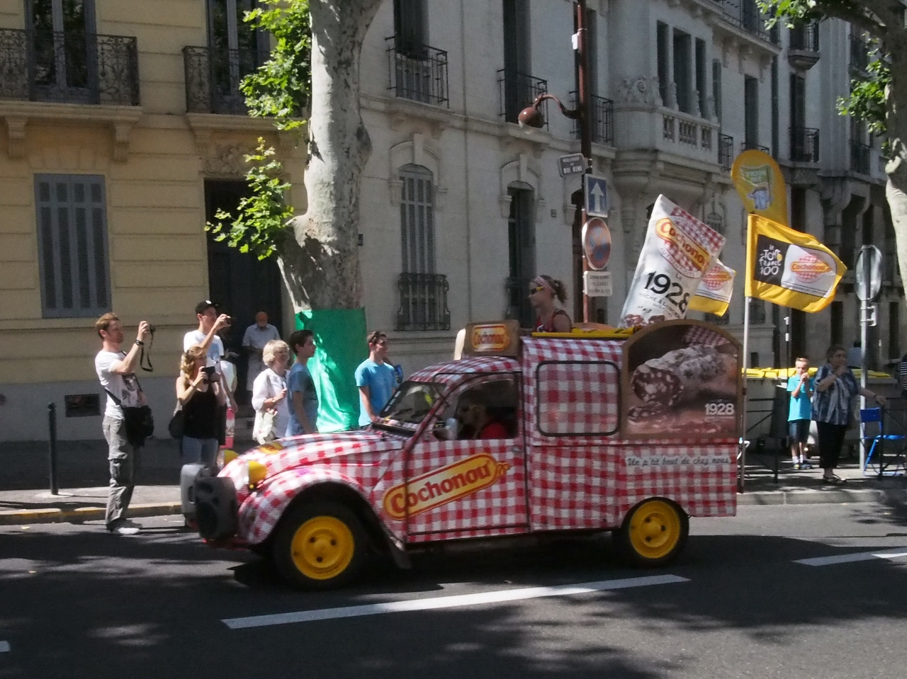 The promotional caravane