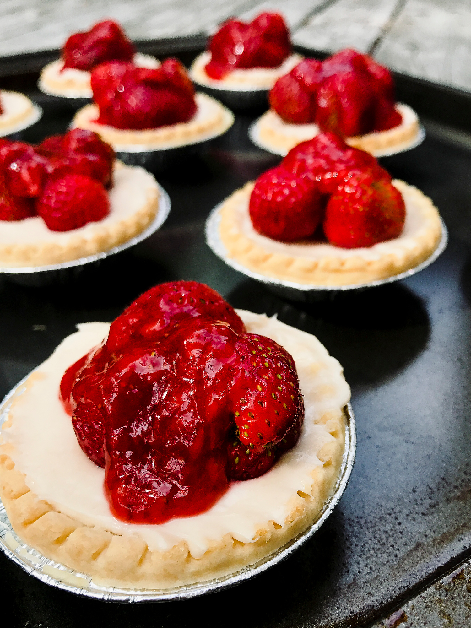 This strawberry tart recipe is so easy, it's perfect for people who hate to bake.