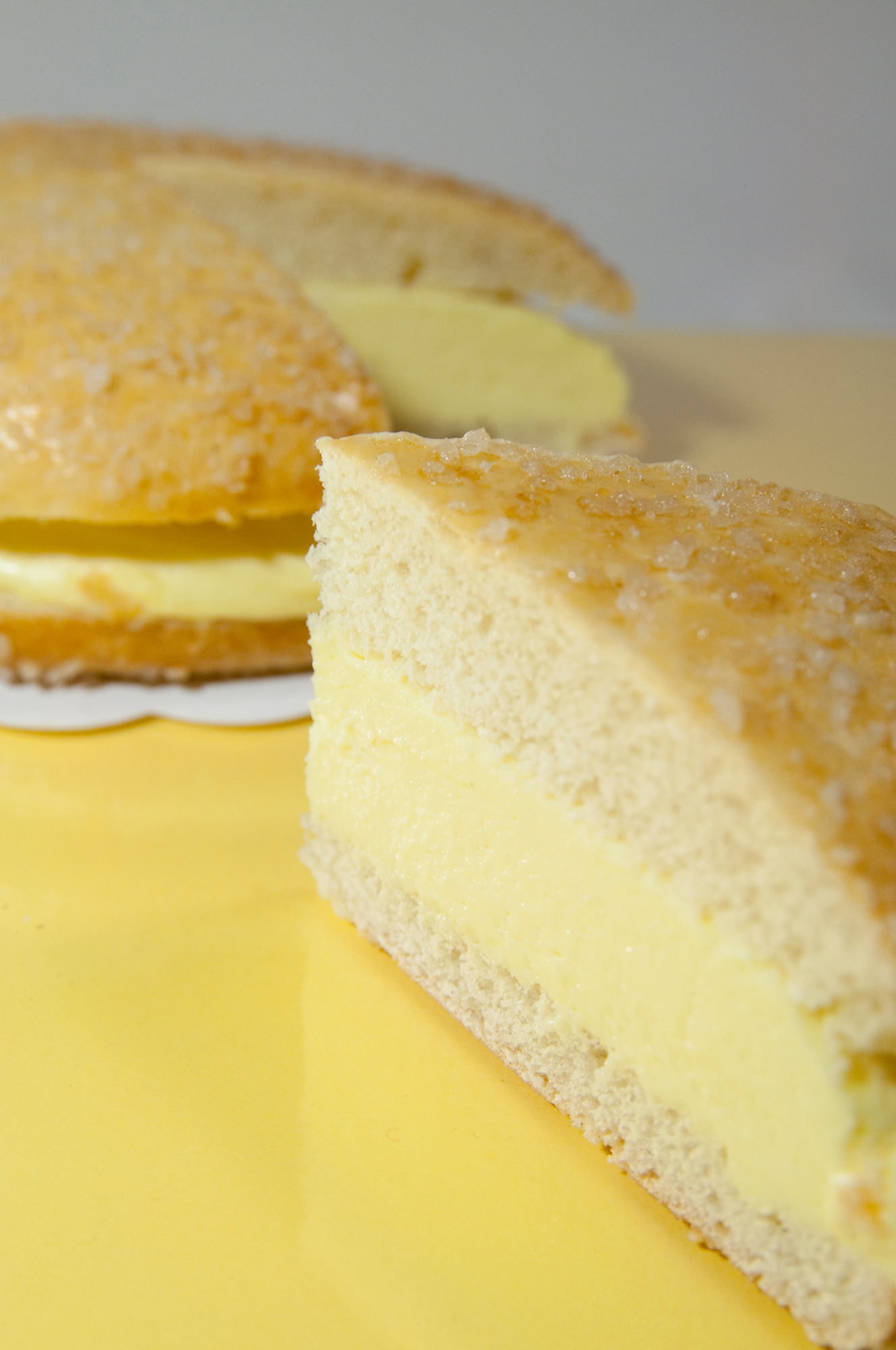 La Tarte Tropézienne sounds exotic but is one found in one of the best bakeries in Aix en Provence. Discover what else to eat in Provence.