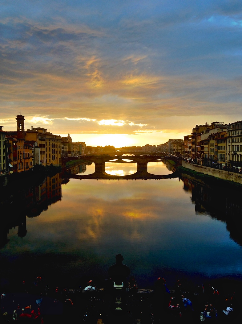 Ponte Vecchio, one of the best things to do in Florence in one day. Don't miss this view!