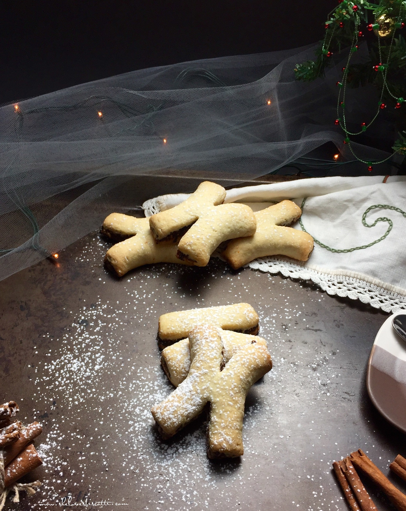 Cucidati are Italian spiced fig cookies and one of the best Christmas cookies from around the world, check out the others.