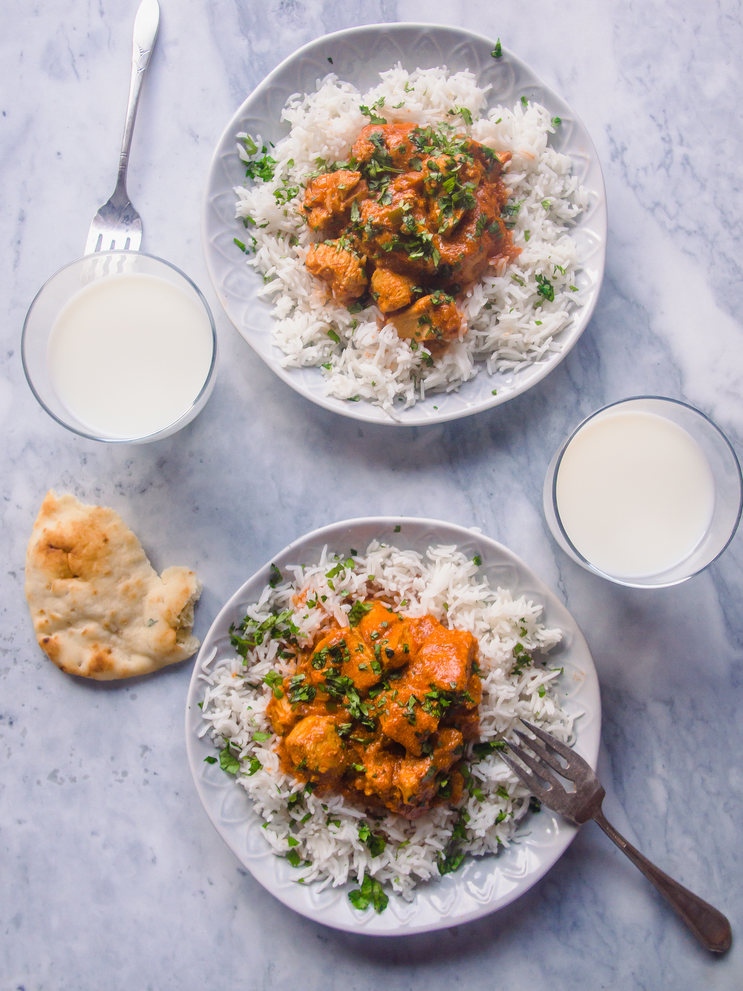 This Instant Pot chicken curry recipe takes less than 20 minutes to make and your family will love it. #spicy #glutenfree #curry