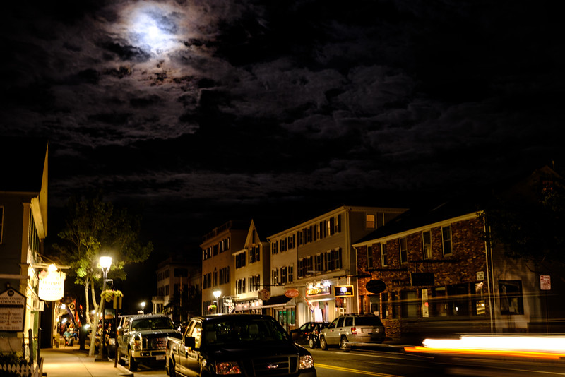 Main st. Moon