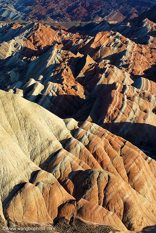 七彩丹霞,海枯石烂的颜色 - 一镜收江南 - 清韵