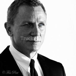 16.11.2012  'Skyfall' film premiere in Sydney, with Daniel Craig who stars in the latest James Bond film.  © Tess Peni