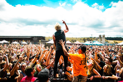 Telle Smith in Buffalo, NY on Vans Warped Tour 2016