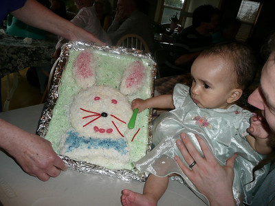 Bibi made Esther a Bunny Cake that she can't eat!