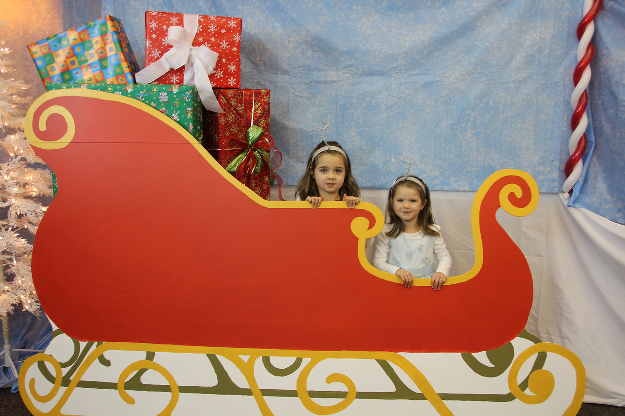 2012_12_01 BV Christmas Party (8)