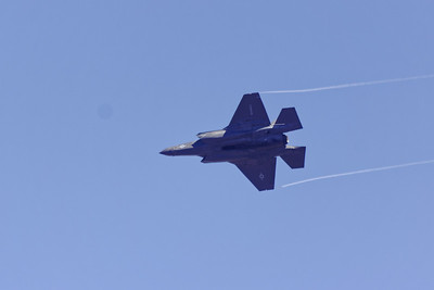 USMC F-35 performing during the airshow... taken from Cather Court, 92122