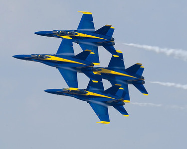 121103-N-LD780-003 PENSACOLA, Fla. (Nov. 3, 2012) U.S. Navy Flight Demonstration Squadron, the Blue Angels, diamond formation flies the Diamond 360 maneuver at the Pensacola Home Show at Naval Air Station Pensacola, Fla., Nov. 3. (U.S. Navy photo by Mass Communication Specialist 1st Class Eric Rowley/Released)