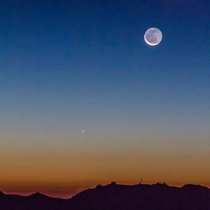 2013-12-01-moon-crescent-rising-twilight-1-3