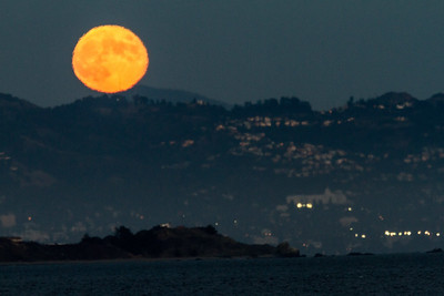 2013-09-19-moon-full-rise-berkeley-hills-mount-diablo-claremont-hotel-1