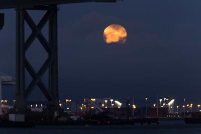 2014-07-12-moon-full-rising-bridge-san-francisco-oakland-bay-bridge- moon-under-deck-support-3
