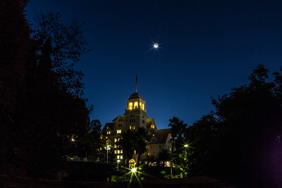 2013-10-31-moon-crescent-rise-berkeley-california-claremont-neighborhood-claremont-hills-claremont-hotel-resort-41-tunnel-road-cobolt-3