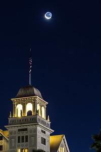 2013-10-31-moon-crescent-rise-berkeley-california-claremont-neighborhood-claremont-hills-claremont-hotel-resort-41-tunnel-road-cobolt-v