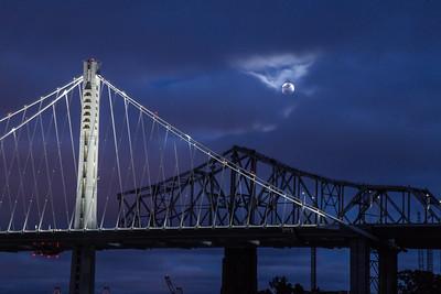 2014-07-11-moon-full-rising-bridge-san-francisco-oakland-bay-bridge-above-tower-bridge-right-2