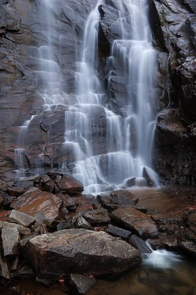 "<p></p><div id=""centered_description"">Hickory Nut Falls, Chimney Rock State Park </div>"