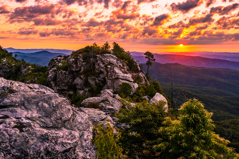 Sunrise from the Chimneys on Linville Gorge