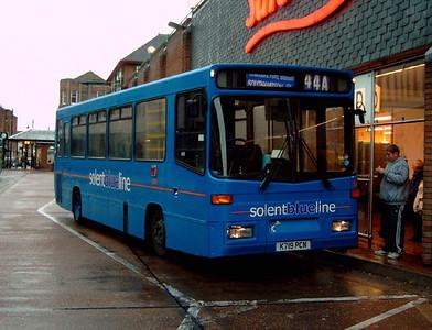 586 - K719PCN - Eastleigh (bus station) - 24.10.04