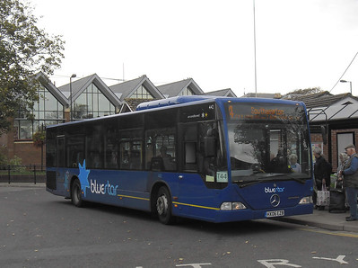 2433 - HX06EZB - Romsey (bus station) - 24.10.11