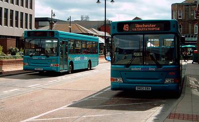 3303 - SN03EBU - Eastleigh (bus station) - 16.4.05