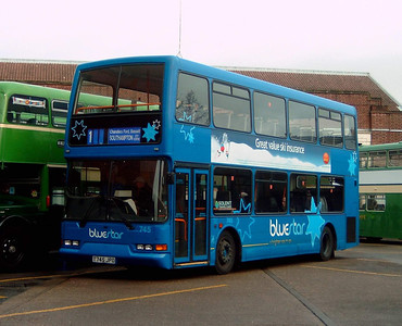 1745 - T745JPO - Winchester (bus station) - 1.1.05