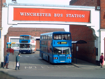 722 - G722WDL - Winchester (bus station) - 25.2.06