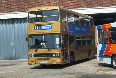 706 - F706RDL - Winchester (bus station) - Aug 02