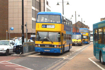 700 - A700DDL - Eastleigh (bus station) - 2003