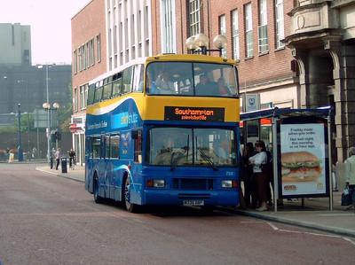 765 - M735BBP - Portsmouth (city centre) - 8.10.05