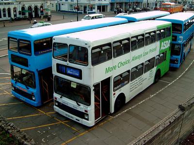 738 - R738XRV - Ryde (bus station) - 11.6.05