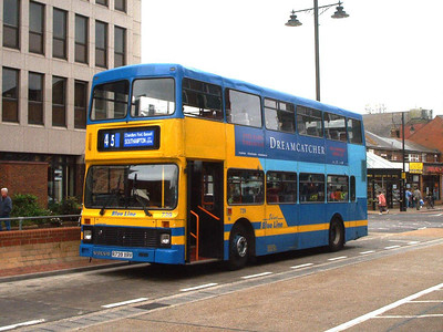 739 - R739XRV - Eastleigh (bus station) - Mar 03