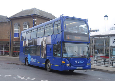 1011 - YN06JWD - Eastleigh (bus station) - 17.3.12