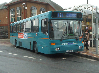 527 - L527YDL - Eastleigh (bus station0 - 10.4.04