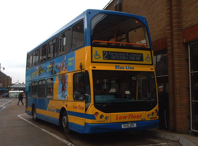 1802 - HX51ZRC - Eastleigh (bus station) - 10.4.04