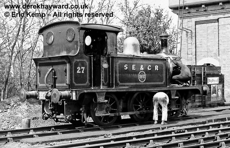 P class No 27 receiving some care and attention at Sheffield Park on Sunday 07.05.1972