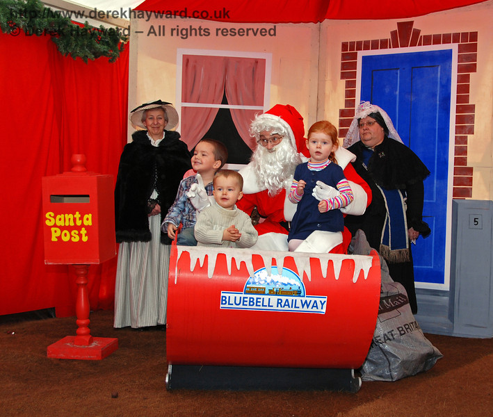 Santa's Grotto at Kingscote. 20.12.2008