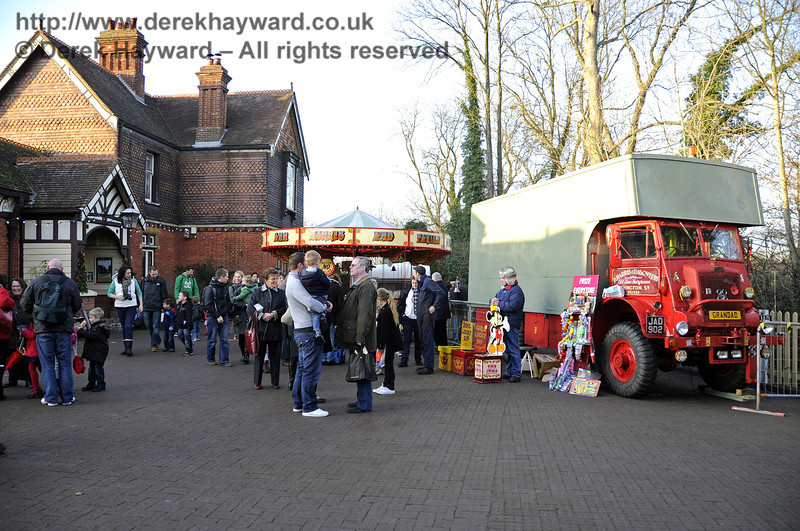 Visitors on the forecourt at Sheffield Park. 10.12.2011  3323