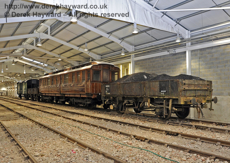 Following complaints that the Wickham Trolley provided insufficient protection for the PWay and Infrastructure Teams in the adverse weather, the engineering train has been provided with alternative accommodation.....  10.12.2011  3282