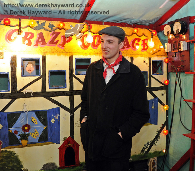 Victorian Christmas at Horsted Keynes.  22.12.2011  3362