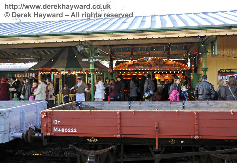Victorian Christmas at Horsted Keynes.  22.12.2011  3383