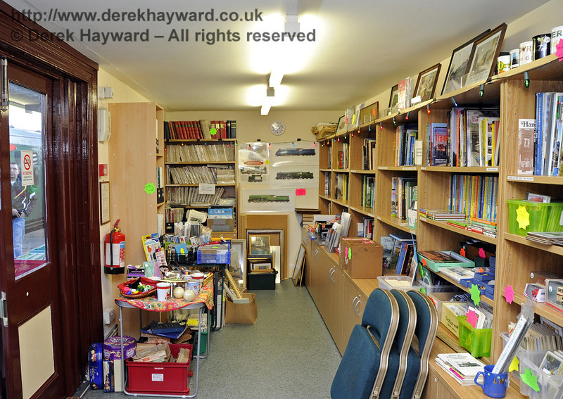 The interior of the Bulleid Bookshop on Platform 2 at Sheffield Park. 10.12.2011  3342
