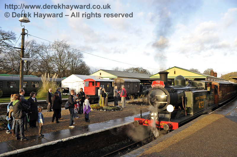 Victorian Christmas at Horsted Keynes.  22.12.2011  3396