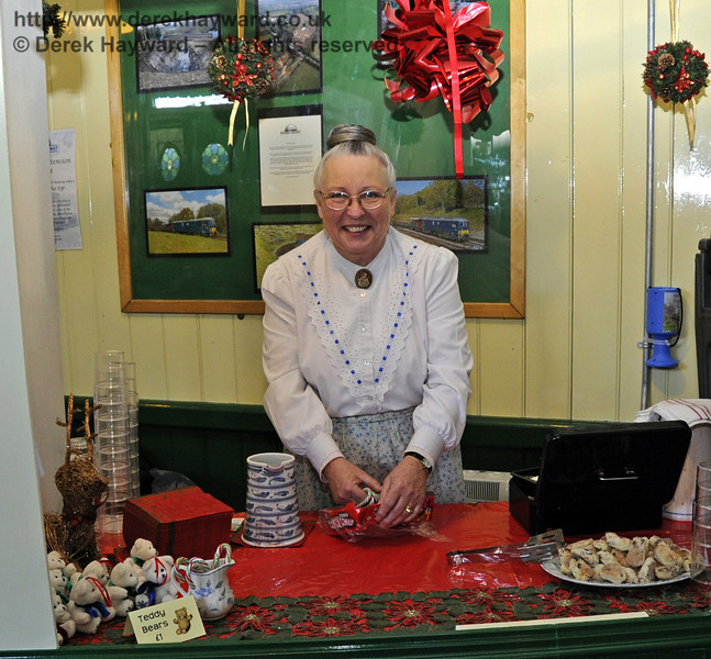 Victorian Christmas at Horsted Keynes.  22.12.2011  3380